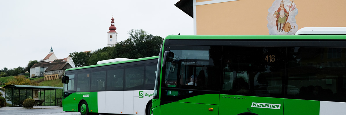 Mobil mit Bus & Taxi